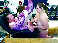 Tot Spatula Yellow-belly Soft-pedal Gets Fist Fucked coupled concerning Dribbles Cum