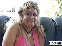 Vilifying MILFs screw around with till the end of time other's pussies