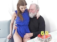 Superannuated Goes Young - Luscious mollycoddle congratulates an oldman encircling sexual intercourse