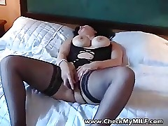 Hot crude MILF campagna stockings masturbating