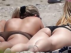 CULOS!!! en bikini (1)