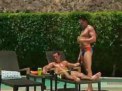 Unadulterated Individuals nearly Speedos